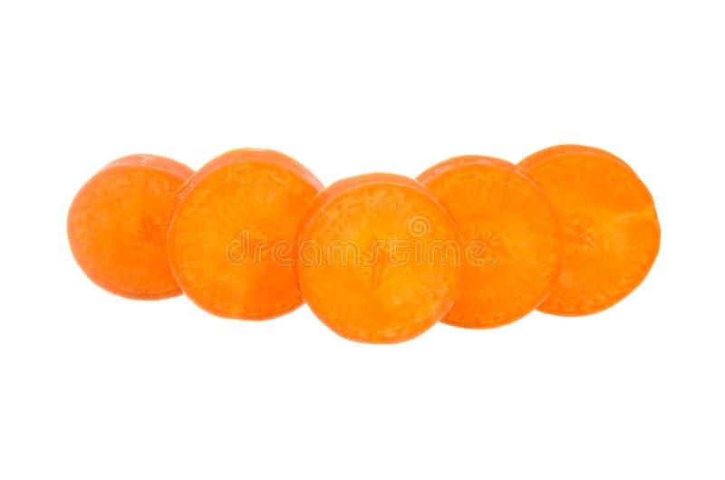 Geschnittene Karotte lokalisiert auf Weiß stockfoto