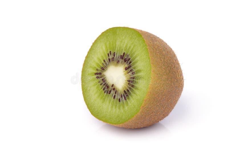 Geschnittene Kiwifrucht auf weißem Hintergrund lizenzfreies stockbild
