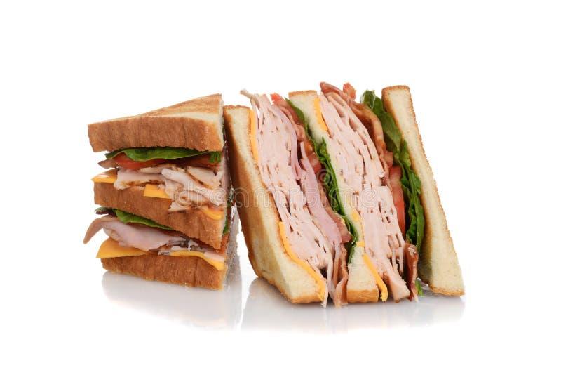 Geschnittenes Hühnerclub Sandwich lizenzfreie stockfotografie