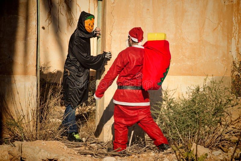 Geschokte kerstman stock afbeelding