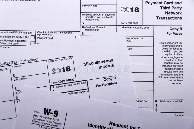 Geschoten van IRS belastingsvormen 1099-m, 1099-k en w-9 royalty-vrije stock afbeeldingen