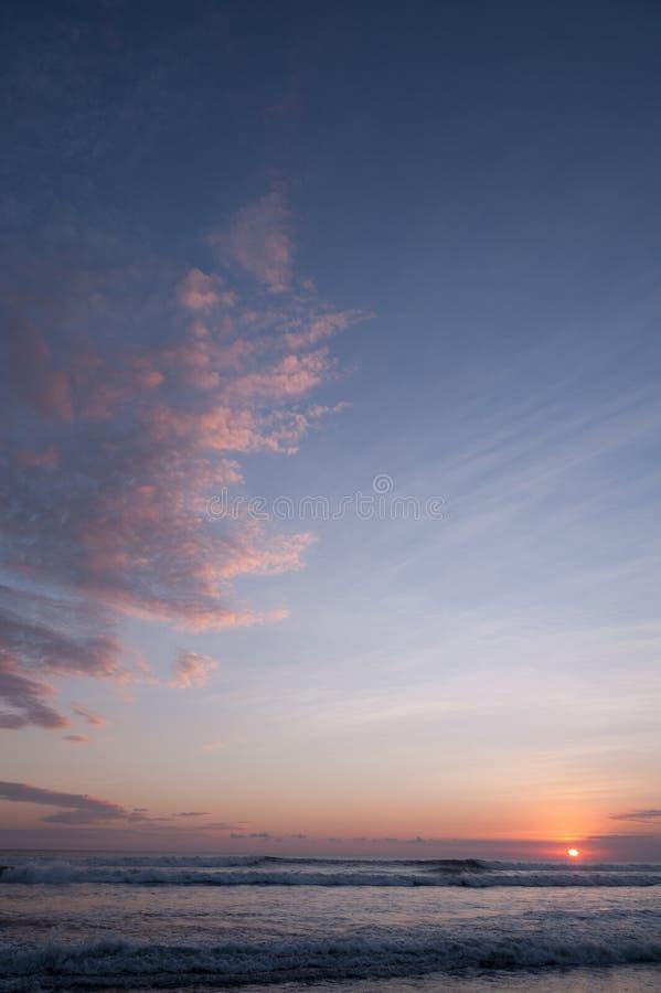 Geschoten van oceaan met groot deel van cloudscape royalty-vrije stock afbeelding