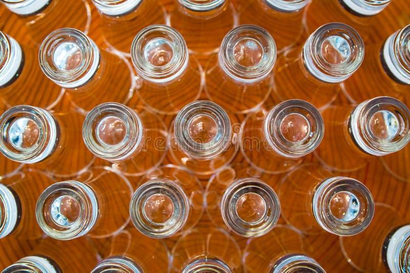 Geschotene glazen op een plaat royalty-vrije stock fotografie