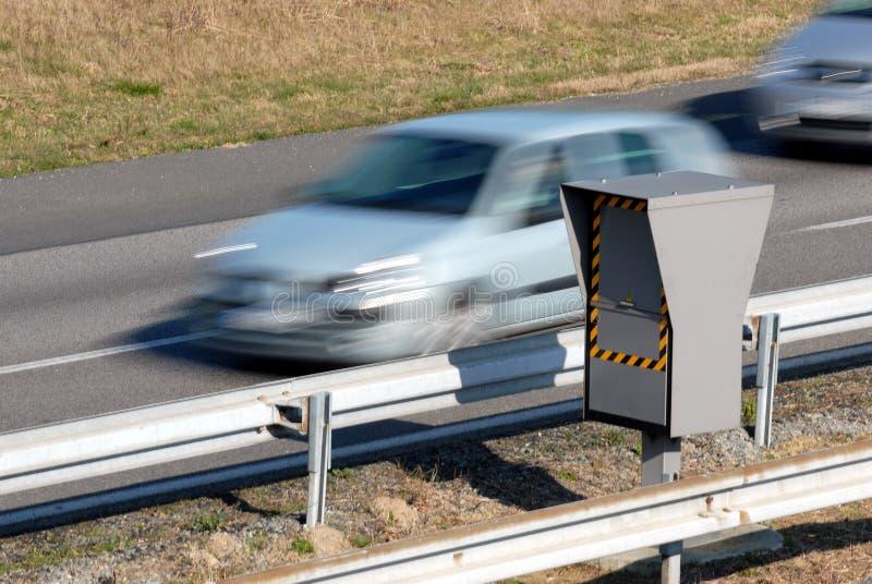 Geschwindigkeitsregelungsradar an stockbild