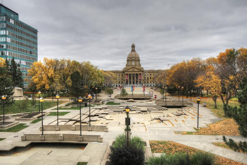 Gesetzgebung Albertas, Kanada im Herbst lizenzfreies stockfoto