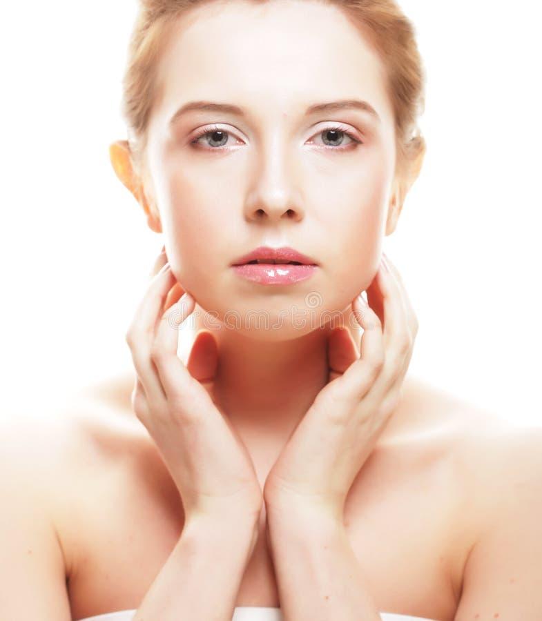Gesicht der schönen Frau mit sauberer Haut lizenzfreie stockbilder