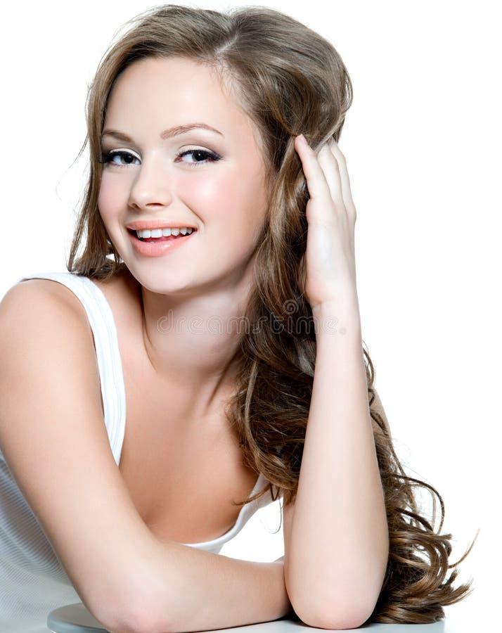 Gesicht des Jugendlichmädchens mit sauberer Haut stockfoto