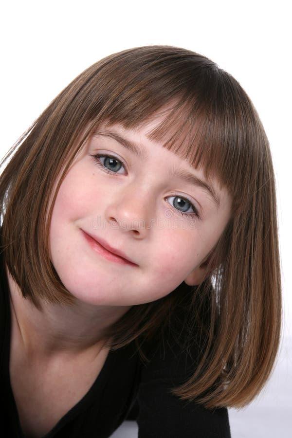 Gesichtsabschluß des netten Mädchens oben mit hübschen Augen lizenzfreie stockfotos