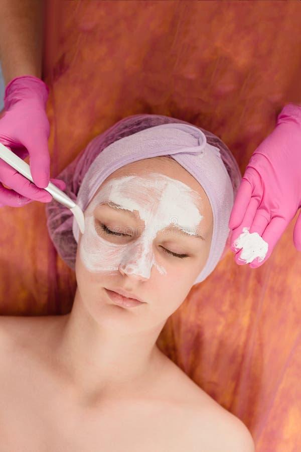 Gesichtsbehandlung scheuern Behandlung lizenzfreies stockfoto