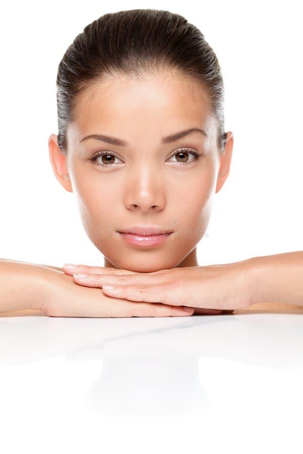 Gesichtsschönheits-Hautsorgfalt lizenzfreie stockbilder