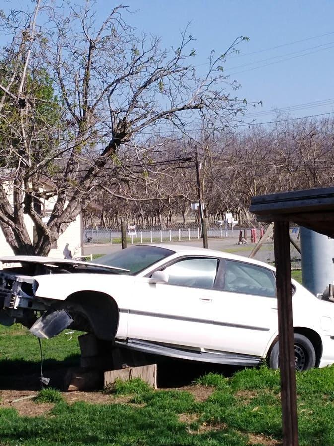 Gesloopte auto stock afbeeldingen