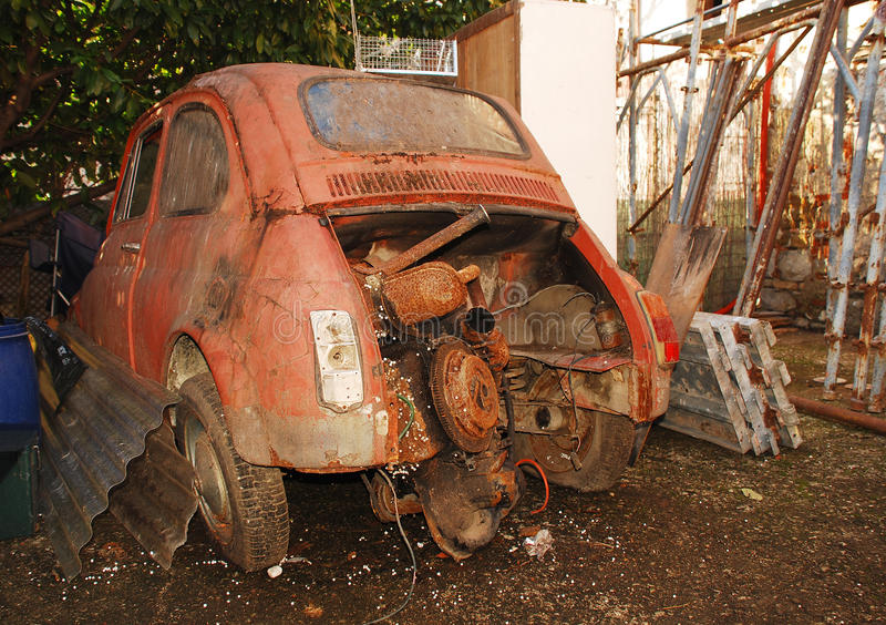 Gesloopte Oude Italiaanse Auto stock fotografie
