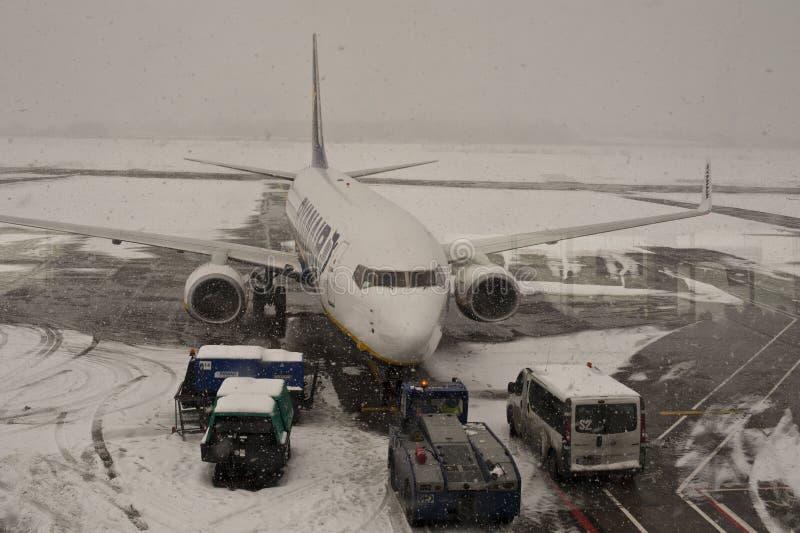 Download Gesloten Luchthaven, Geannuleerde Vluchten Redactionele Stock Foto - Afbeelding: 17565058