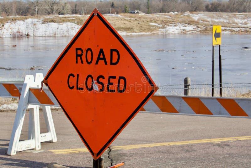 Gesloten weg wegens overstroming royalty-vrije stock foto's