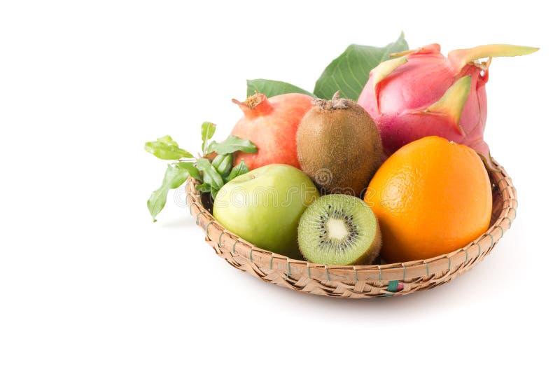 Gesneden kiwifruit en gemengde vruchten royalty-vrije stock fotografie