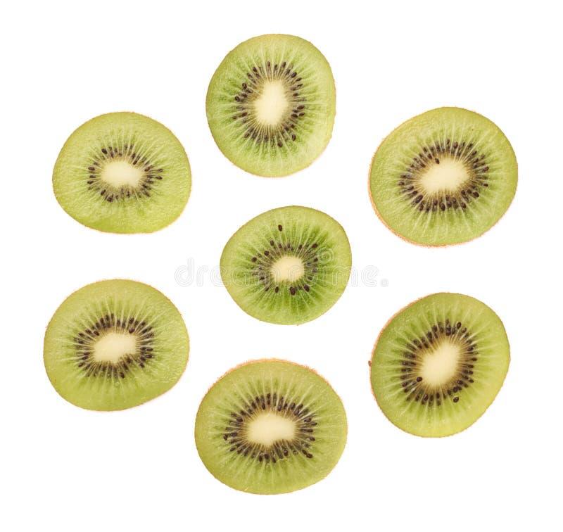 Gesneden kiwifruit geïsoleerde sectie stock foto's