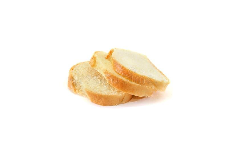 Gesneden lang die brood op een witte achtergrond wordt geïsoleerd Heerlijk Oekraïens brood stock fotografie