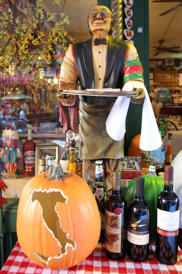Gesneden pompoen bij Italiaans restaurant in historisch Weinig Italië in lager Manhattan stock foto