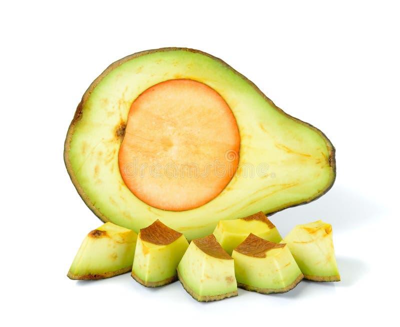 Gesneden rijpe die avocado op wit wordt geïsoleerd royalty-vrije stock fotografie