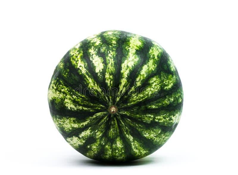 Gesneden rijpe die watermeloen op witte achtergrond wordt ge?soleerd stock afbeelding