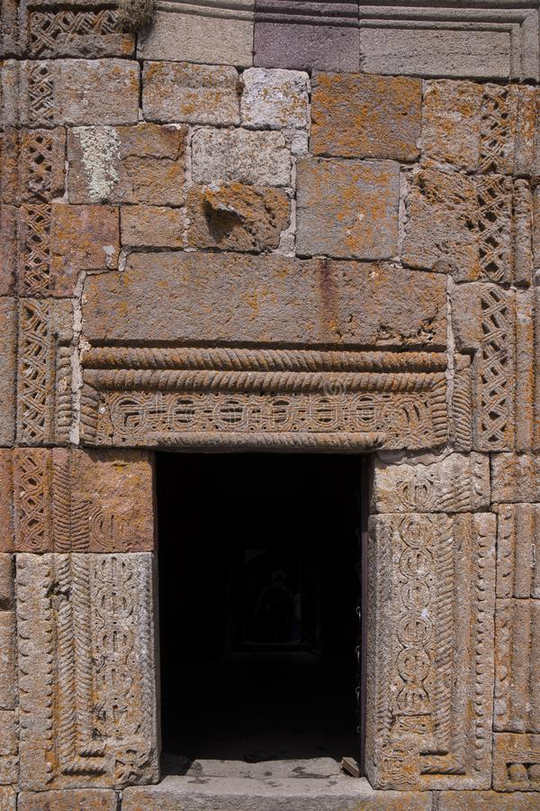 Gesneden steeningang van kapel stock afbeelding