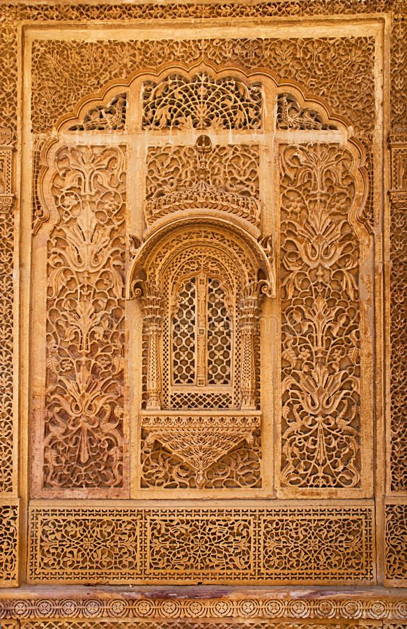 Gesneden venster in Mandir-Paleis, Jaisalmer, Rajasthan, India stock afbeelding
