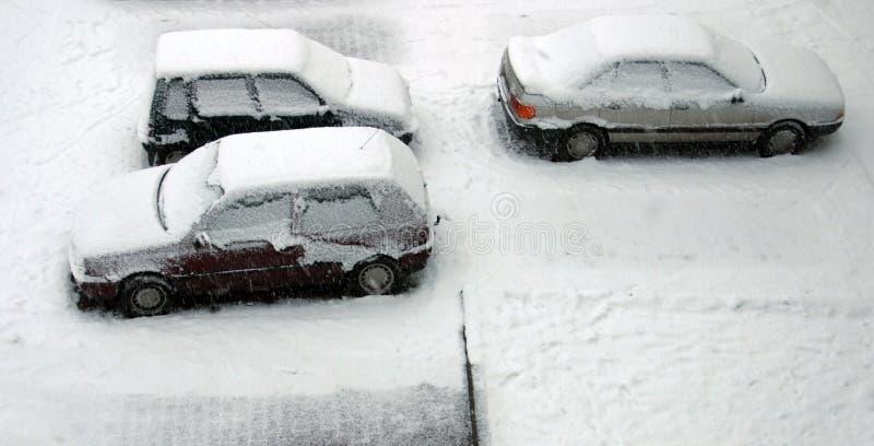 Gesneeuwde Auto S Stock Foto's