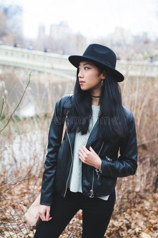 Gespannen Aziatisch model stock foto