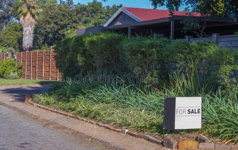 Gespannen economie en bezitsmarkt in Zuid-Afrika stock foto