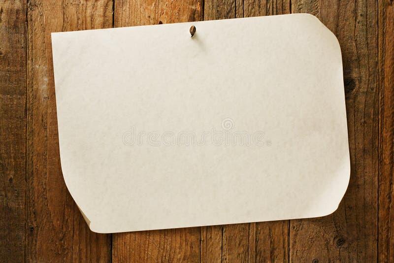 Altes rustikales gealtertes gewünschtes Cowboyplakat auf Pergament lizenzfreie stockfotos