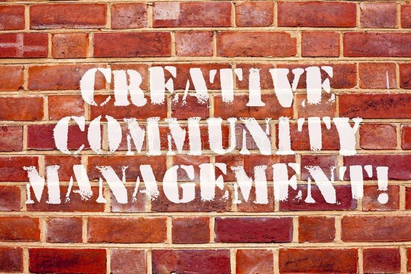 Gestão criativa da comunidade do texto da escrita da palavra Conceito do negócio para defender um tipo em redes sociais ilustração do vetor