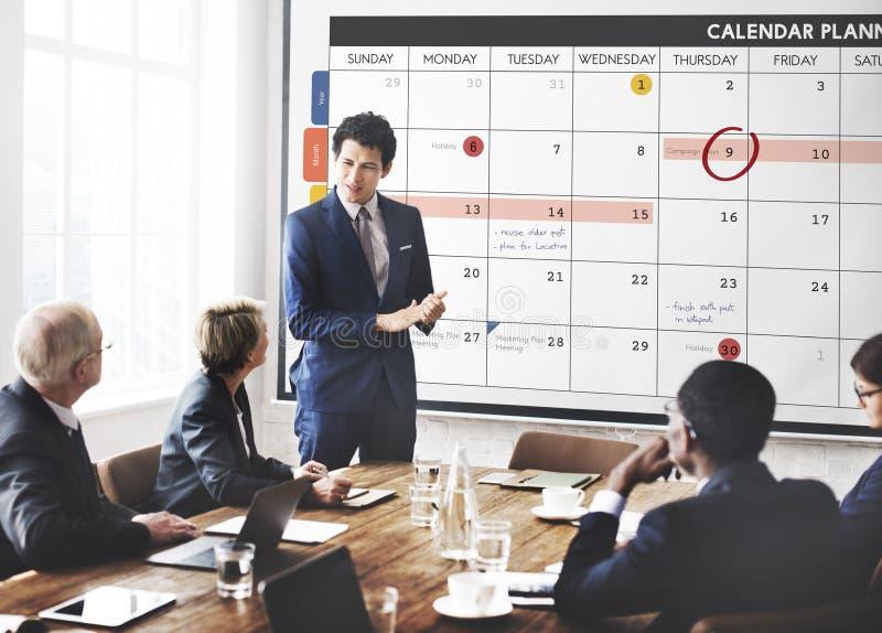 A gestão da organização do planejador do calendário lembra o conceito fotografia de stock
