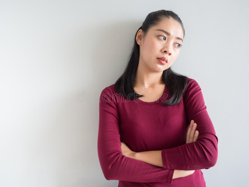 Gestörte und unglückliche Frau stockfoto