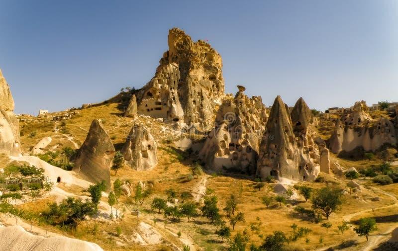 Gestalten Sie bunte Ansicht von Capadocia-Sandbildungen, die Türkei landschaftlich lizenzfreies stockfoto