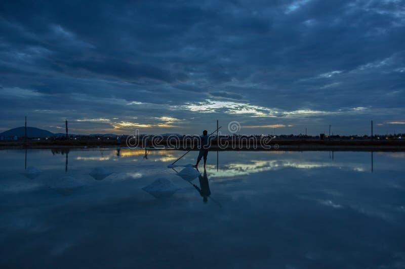 Gestalten Sie die traditionellen Dörfer landschaftlich, die Salz vom Meer part2 gemacht werden lizenzfreie stockfotografie