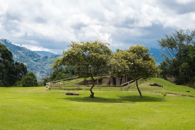 Gestalten Sie in Park Sans Agustin Archeological, Huilla, Kolumbien landschaftlich UNESCO-Welterbe stockfotos