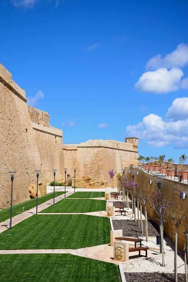 Download Gestaltet Alten Burggraben In Der Zitadelle, Victoria, Gozo Landschaftlich Stockbild - Bild von streetlight, verstärkt: 106801437
