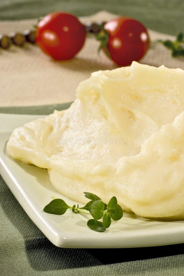 Gestampfte Kartoffeln auf Platte lizenzfreies stockbild