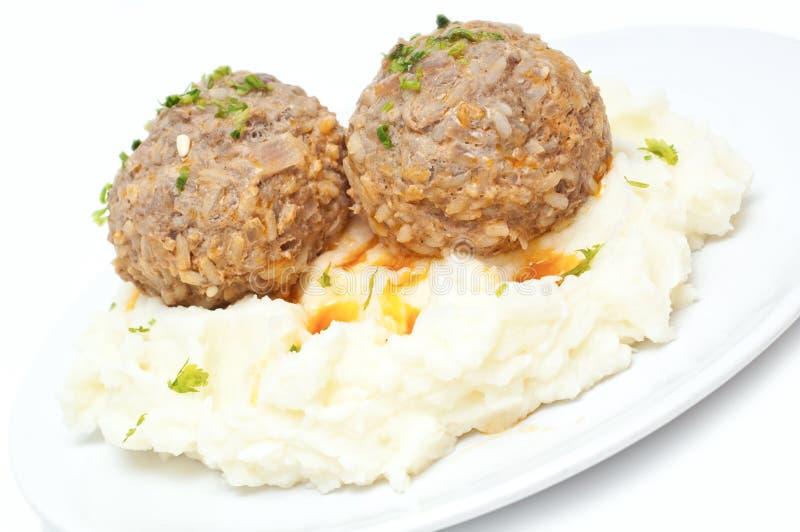 Gestampfte Kartoffeln Und Fleischklöschen Stockfoto