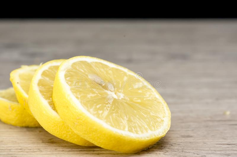 Gestapelde citroenplakken royalty-vrije stock foto