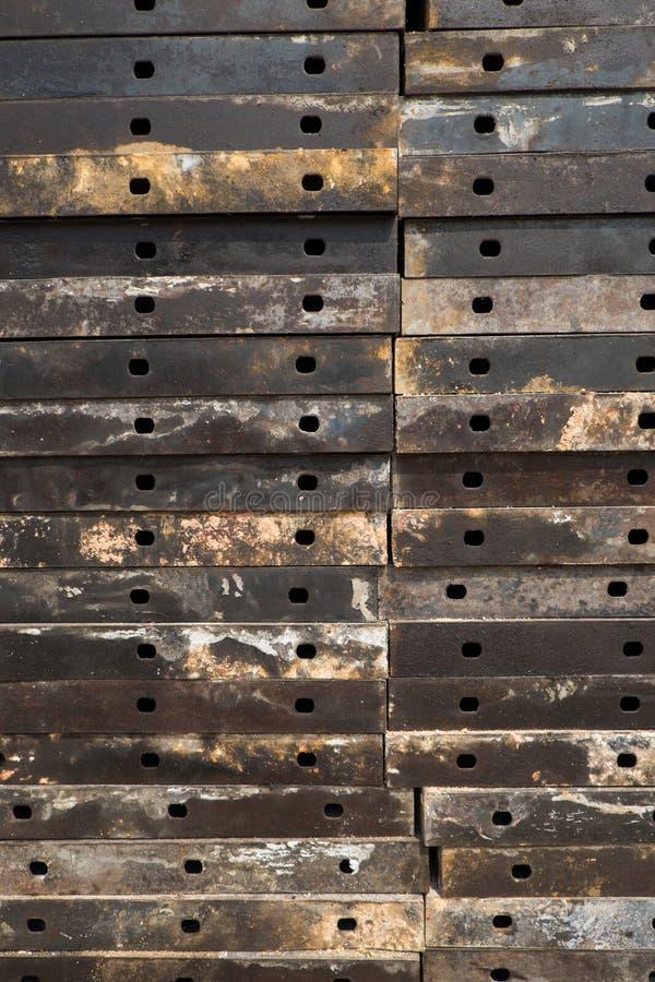 Gestapelde staalplaten stock afbeelding