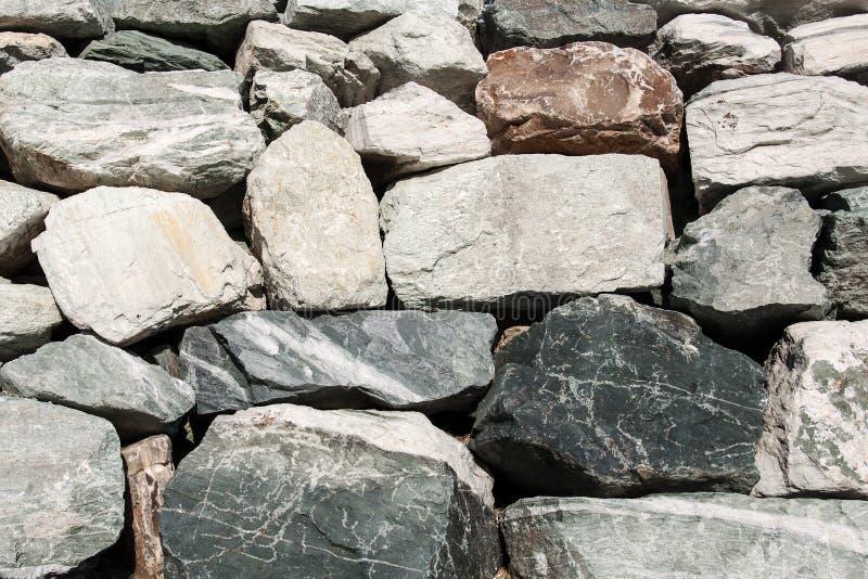Gestapelde stenen als muur royalty-vrije stock afbeeldingen