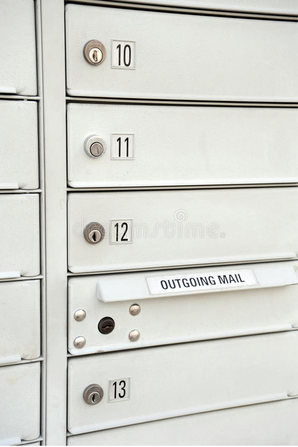 Gestapelte Mailboxes stockfotos