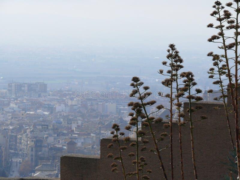 Gestapte muren met meningen van Granada stock foto