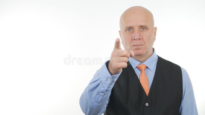 Geste sûr d'Image Make Hand d'homme d'affaires se dirigeant avec le doigt images libres de droits