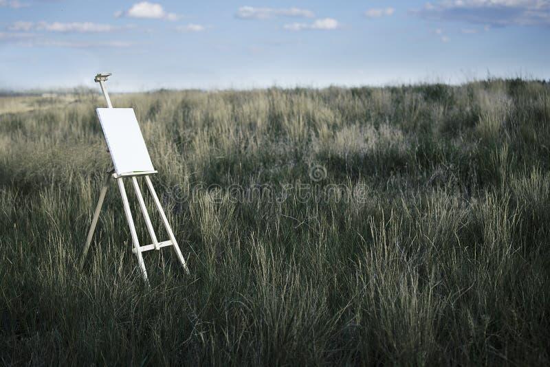 Gestell auf dem Feld stockfoto