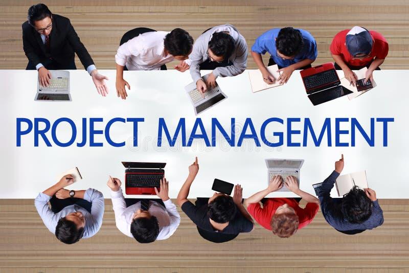 Gestión del proyecto en concepto del negocio Hombres de negocios Mee de la visión superior foto de archivo libre de regalías