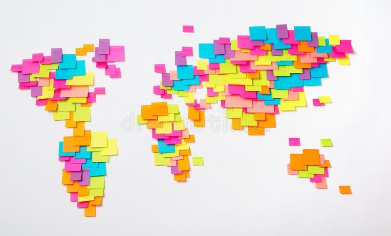 Gestileerde kaart van de wereld van kleurrijke stickers royalty-vrije stock foto's