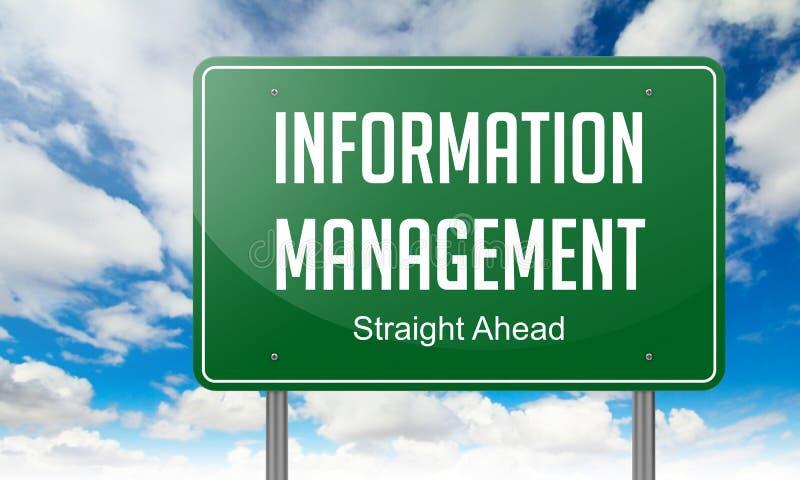 Gestione di informazioni sul cartello della strada principale immagine stock