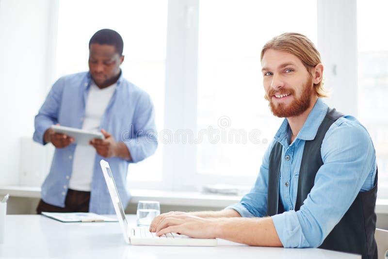 Gestionnaire au travail photos stock
